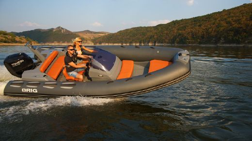 2017 Brig Inflatables Eagle 580