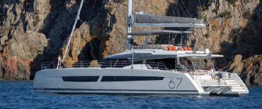 thumbnail photo 2: 2019 Fountaine Pajot 67