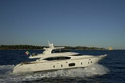 2012 Maiora 29 Motor Yacht