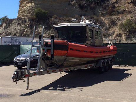 2005 Defender Response Boat