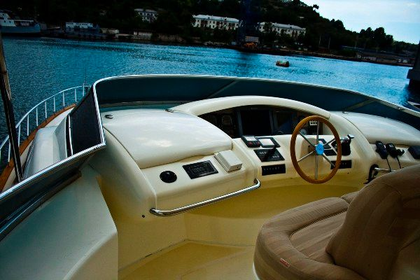 Azimut Carat (SWJ) Type Motor. 2006 80' CARAT available for purchase in the ...