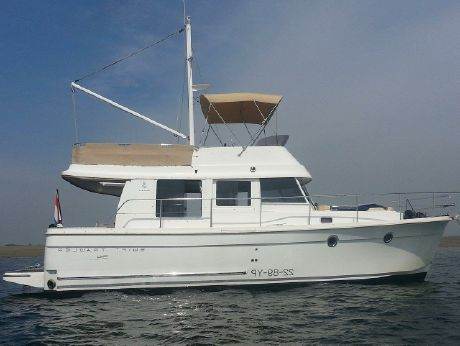 2010 Beneteau Swift Trawler 34 Fly