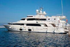 2011 Ferretti Yachts custom line 33