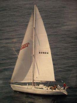 1983 Beneteau First 42