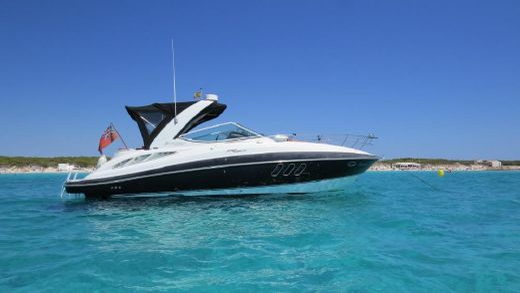 2008 Cruisers Yachts Express 330