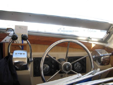 1976 Bertram 28 Flybridge CRUISER