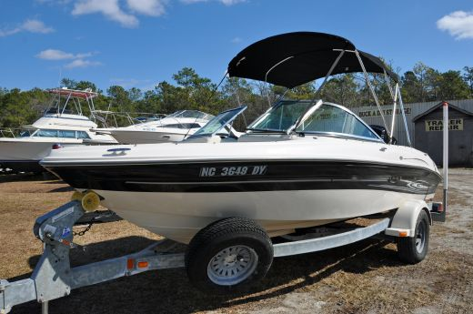 2005 Sea Ray 18 Bow Rider Outboard