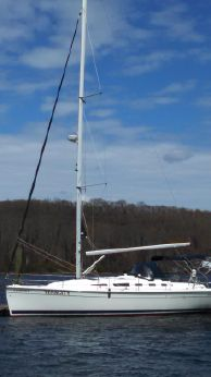 2006 Hunter 38 Sloop