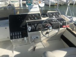 photo of  30' Carver 300 Aft Cabin Motor Yacht