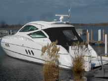2015 Cruisers Yachts 540COUPE