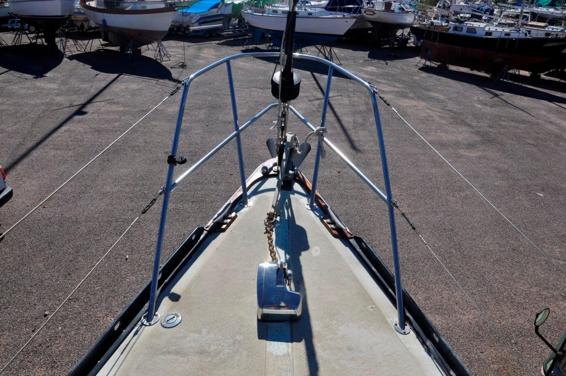 36' Islander Sloop+Photo 25