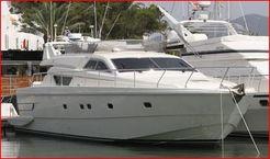 1996 Ferretti Yachts 135