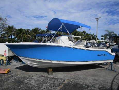 2016 Nautic Star 2102 Legacy