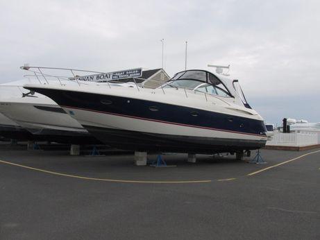 2004 Cruisers Yachts 400 Express
