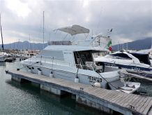 1990 Ferretti Yachts 39
