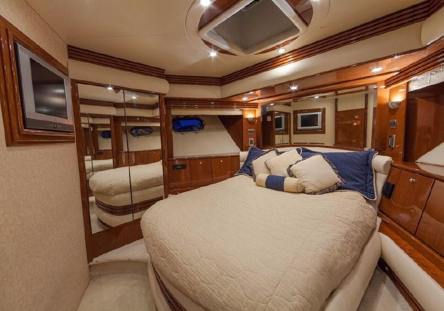 Marquis 65 powerboat for sale