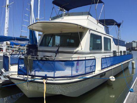 1987 Harbor Master 470 Flybridge