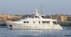 2004 Laguna 24M
