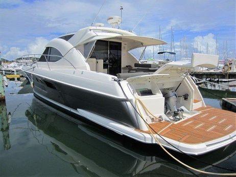 2013 Riviera 5000 Sport Yacht