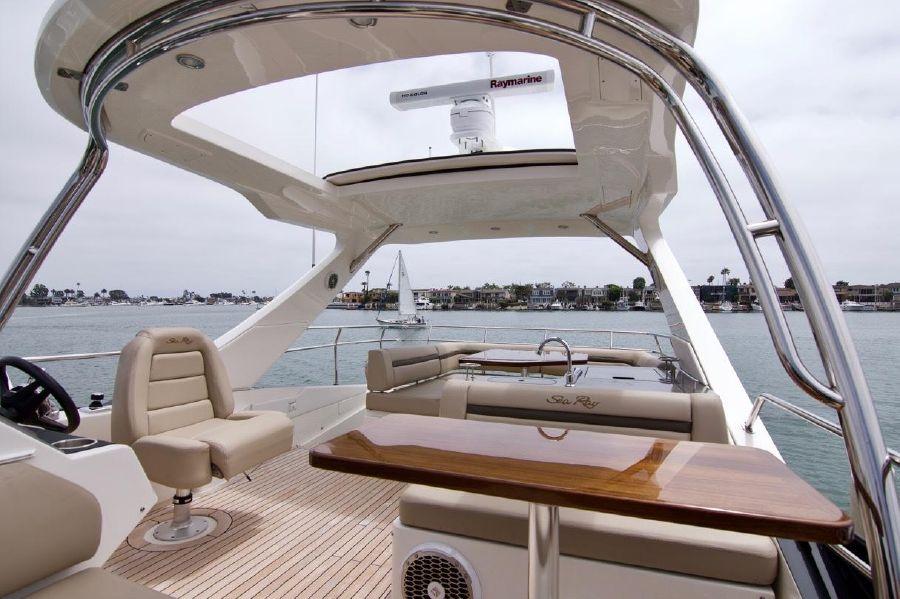 Sea Ray 510 Flybridge Retractable Sunroof