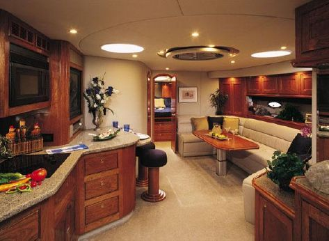 2004 Cruisers Yachts 540 Express