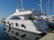 2005 Ferretti Yachts 830