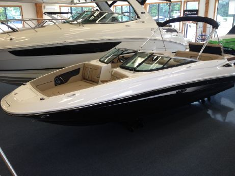 2016 Sea Ray 240 Sundeck