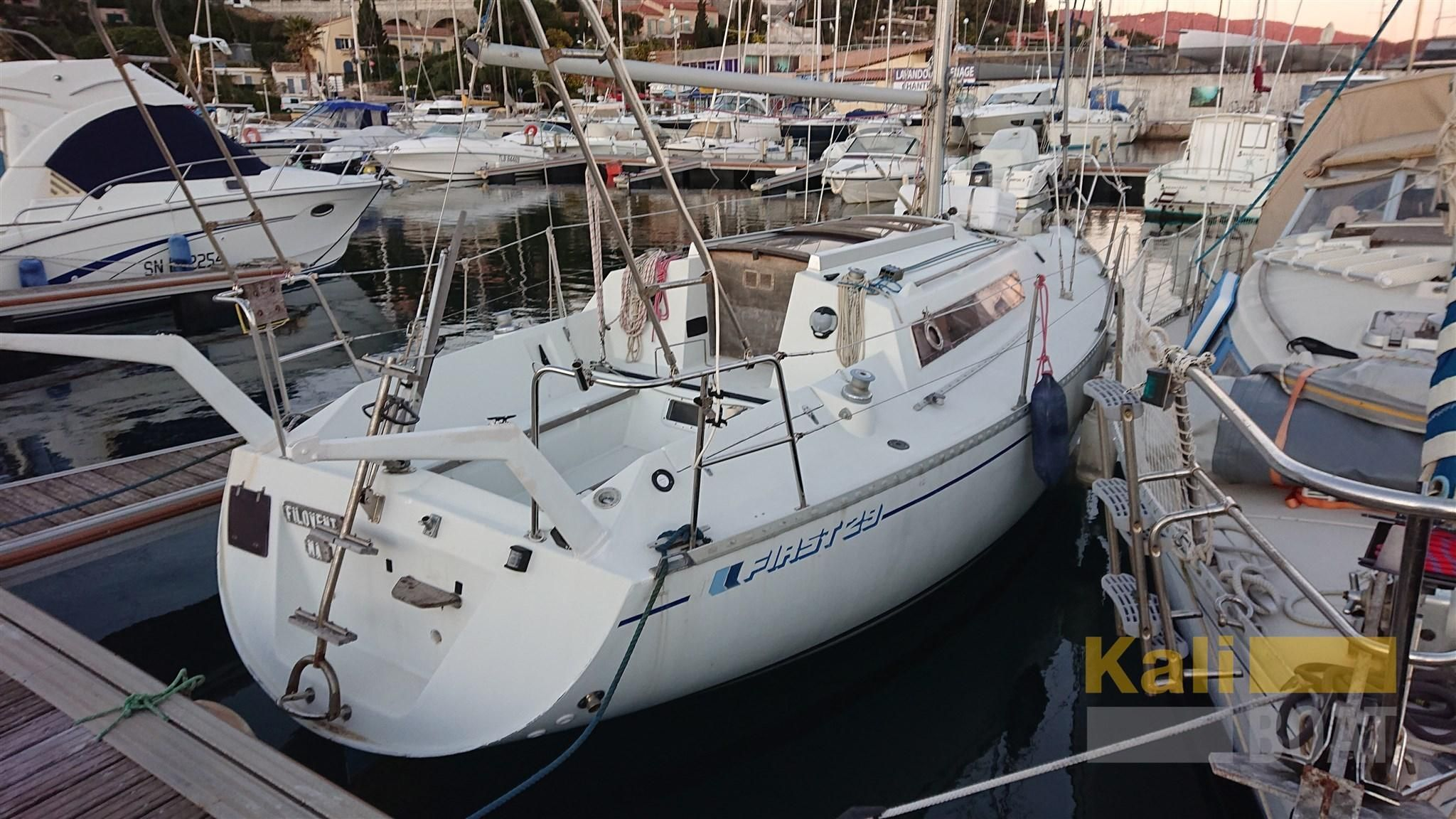 1984 Beneteau First 29 Sail Boat For Sale Www Yachtworld Com