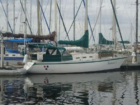1984 Canadian Sailcraft CS 33