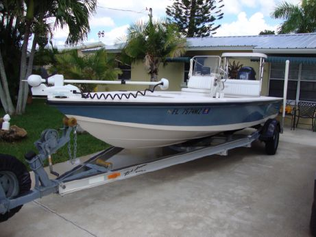 2005 Hewes Redfisher 18