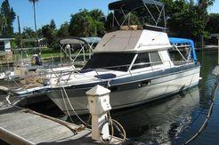 1987 Cruisers Yachts 298 Villa Vee