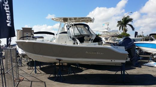 2017 Nautic Star 2302 Legacy