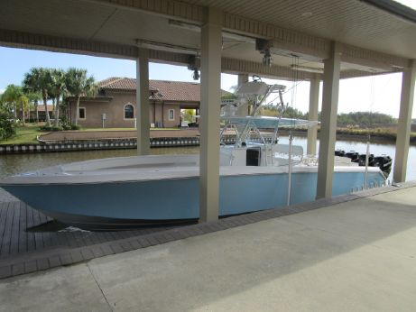 2009 Bahama Center Console w/Trailer