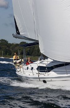 2015 Hunter Marine 45 Deck Salon