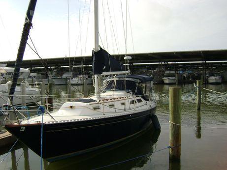1983 Islander Yachts 36 Sloop