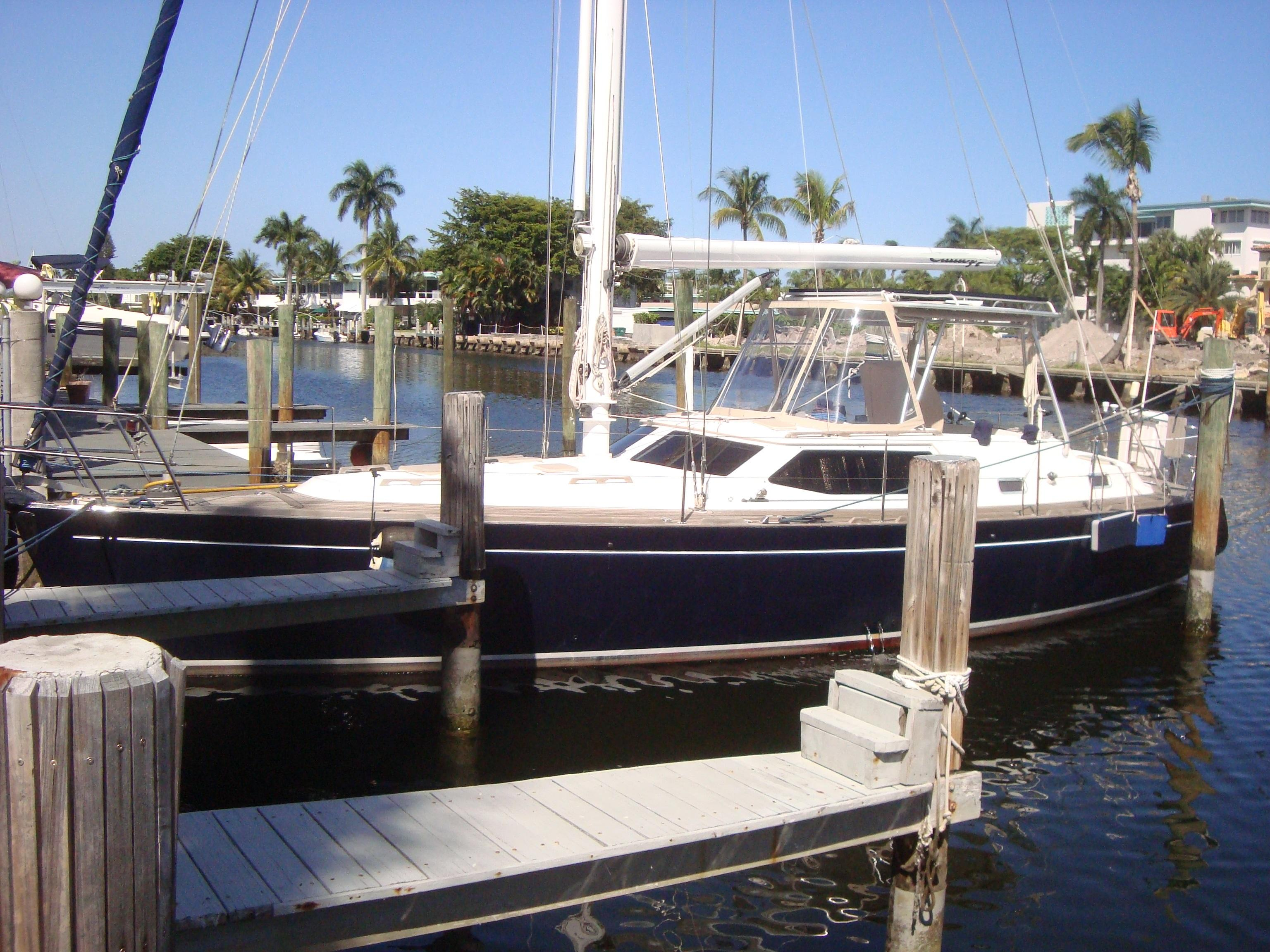 43 ft 2003 northwind deck saloon - center cockpit -  see in ft.lauderdale