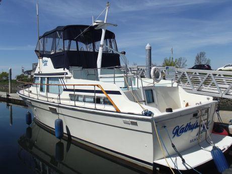 1979 Tollycraft 40' Tri Cabin Trawler