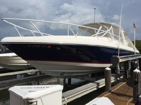 2010 Intrepid 390 Sport Yacht
