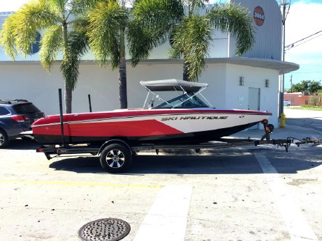 2015 Nautique Ski Nautique 200 Closed Bow