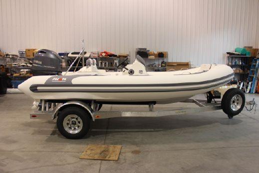 2018 Avon Seasport 490 Deluxe NEO 90hp In Stock