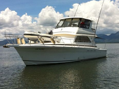 2004 Caribbean 47 Enclosed Flybridge