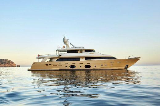 2010 Ferretti Yachts Custom Line