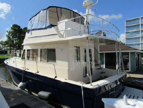 2006 Mainship 43 Sedan Trawler
