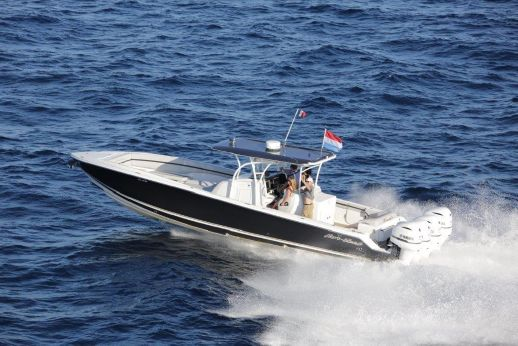 2013 Nor-Tech 390 Center Console