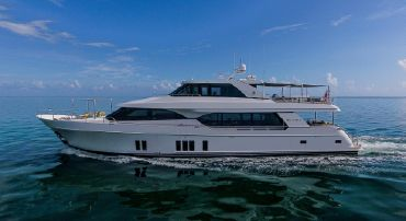 thumbnail photo 0: 2016 Ocean Alexander 100 SKYLOUNGE