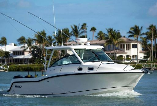 2015 Boston Whaler 315 Conquest