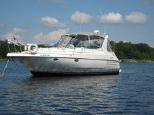 1995 Cruisers Yachts 3570