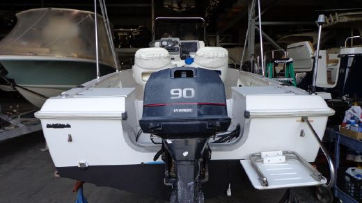 1997 Chris Craft 17 Center Console
