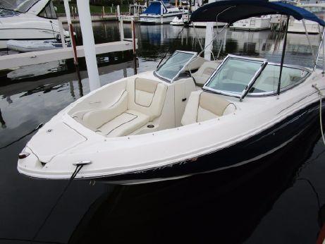 2009 Sea Ray 230 SLX