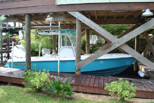 2015 Everglades 243 Center Console